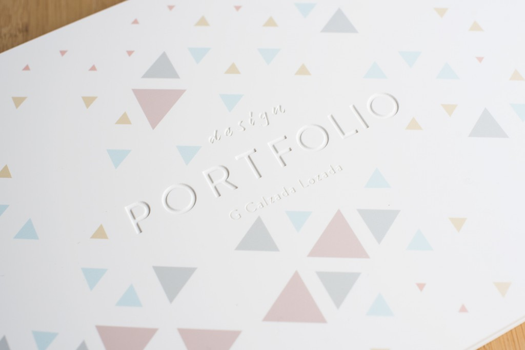 White acrylic portfolio with uv and engraving II
